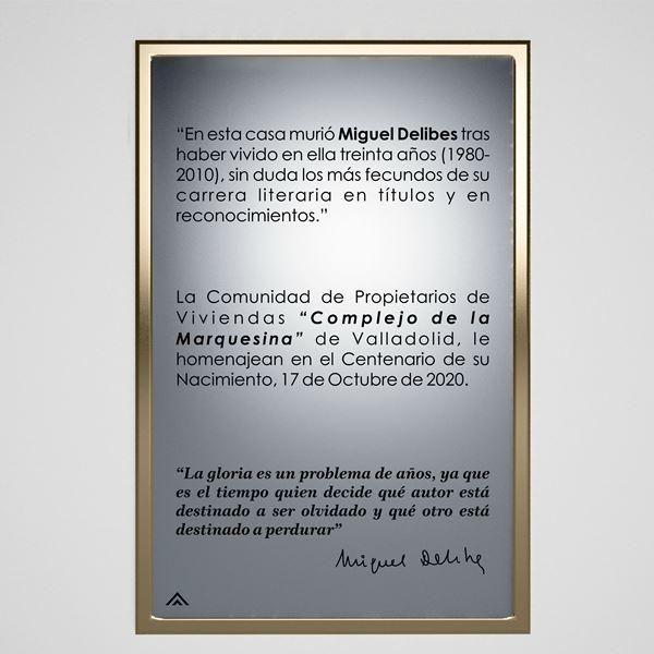 Placa Don Miguel Delibes